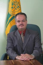 Dr. Carlos Vélez