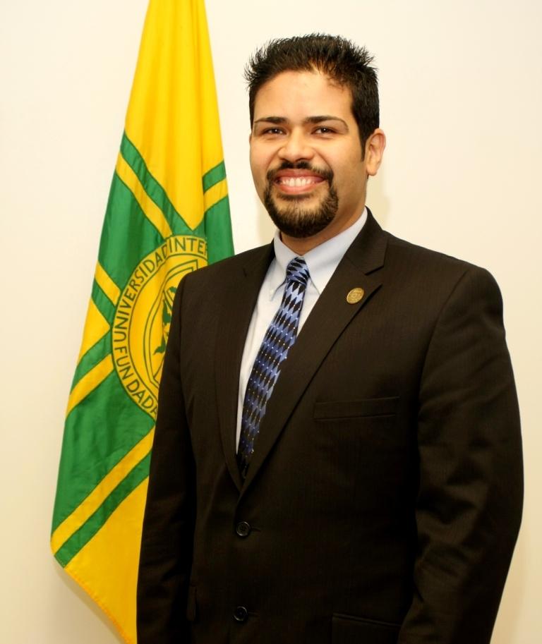 Dr. Héctor W. Colón