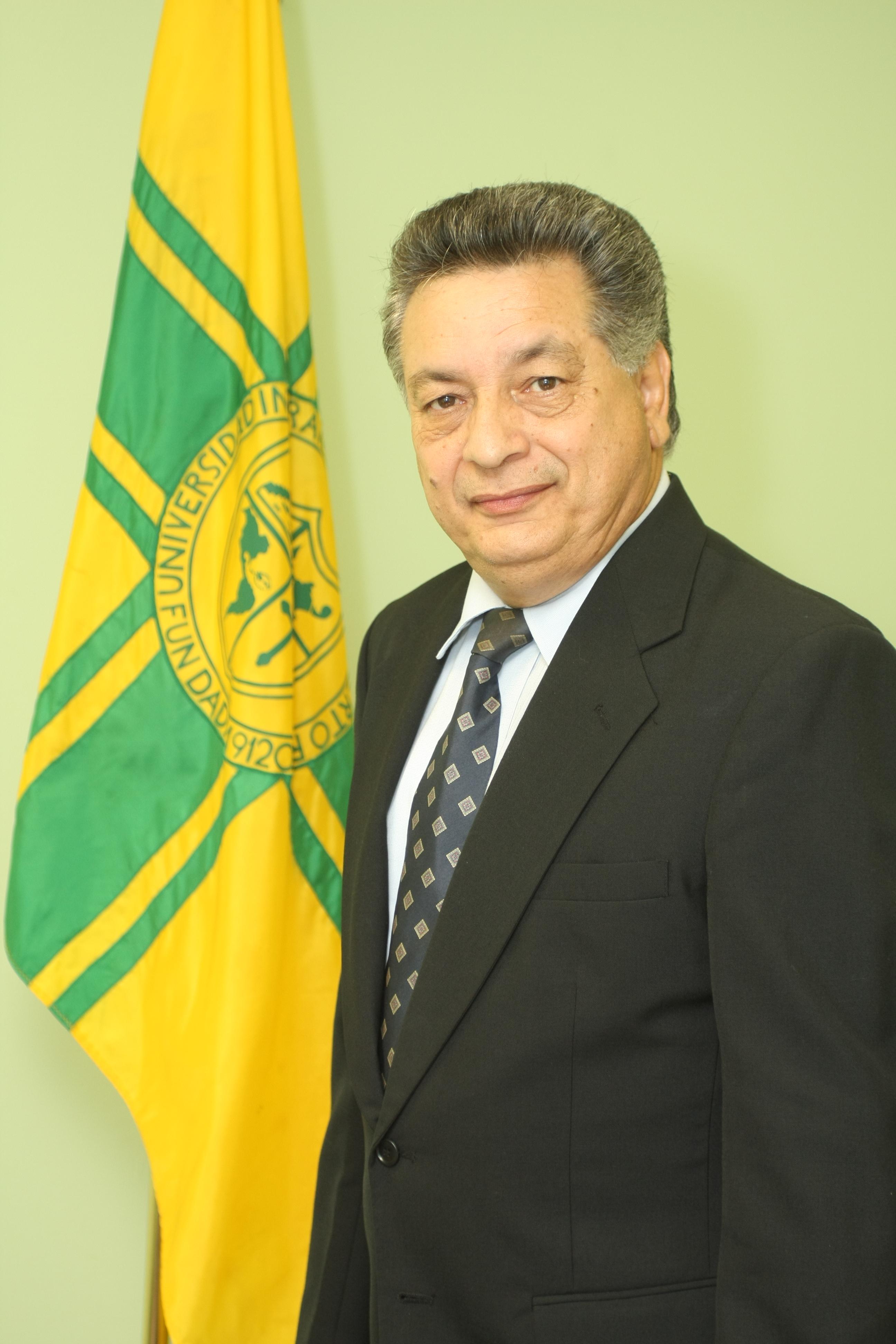 Dr. Lamberto Vera
